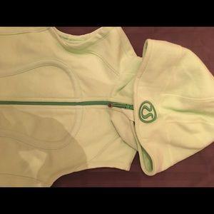 Lululemon Athletica Vest -Pre-Owned Med OS green